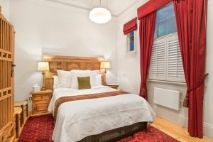 hotels in williamstown melbourne